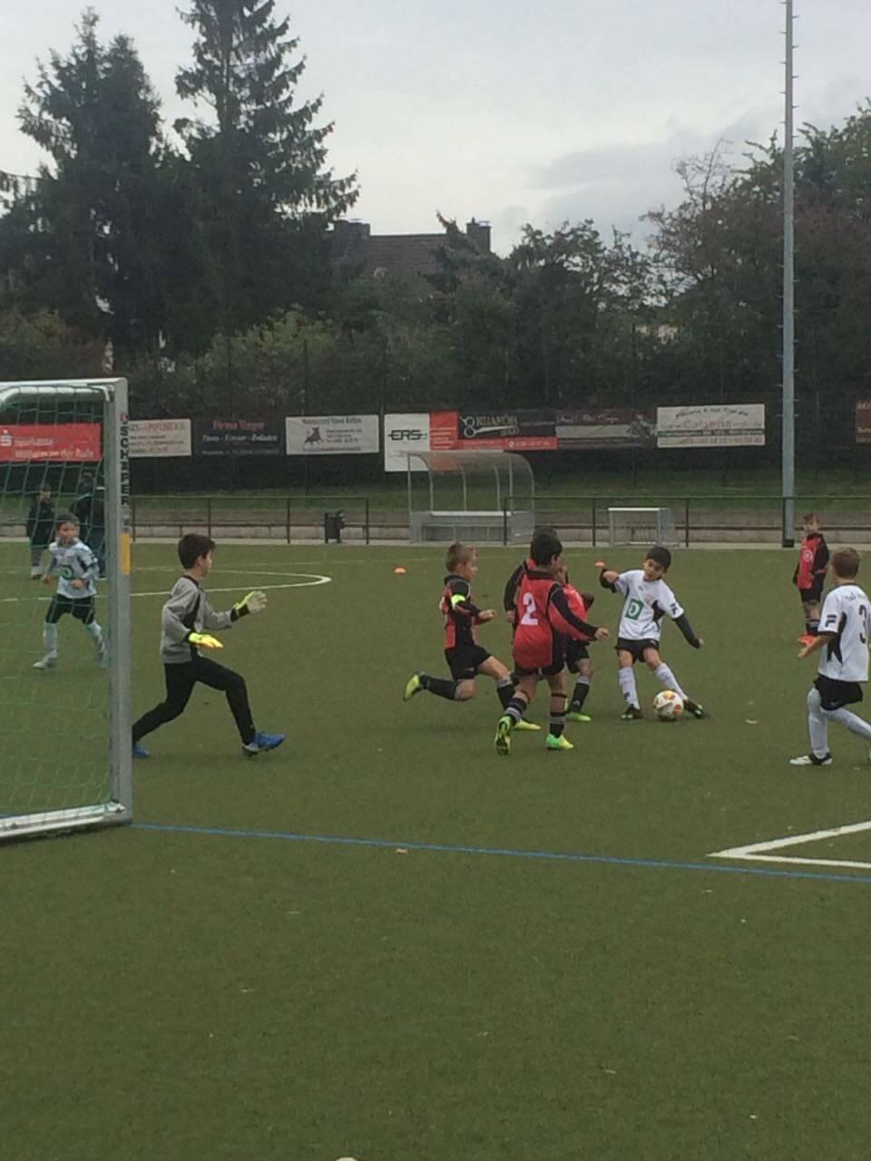 F2 – gewinnt souverän gegen den 1.FC Mülheim II