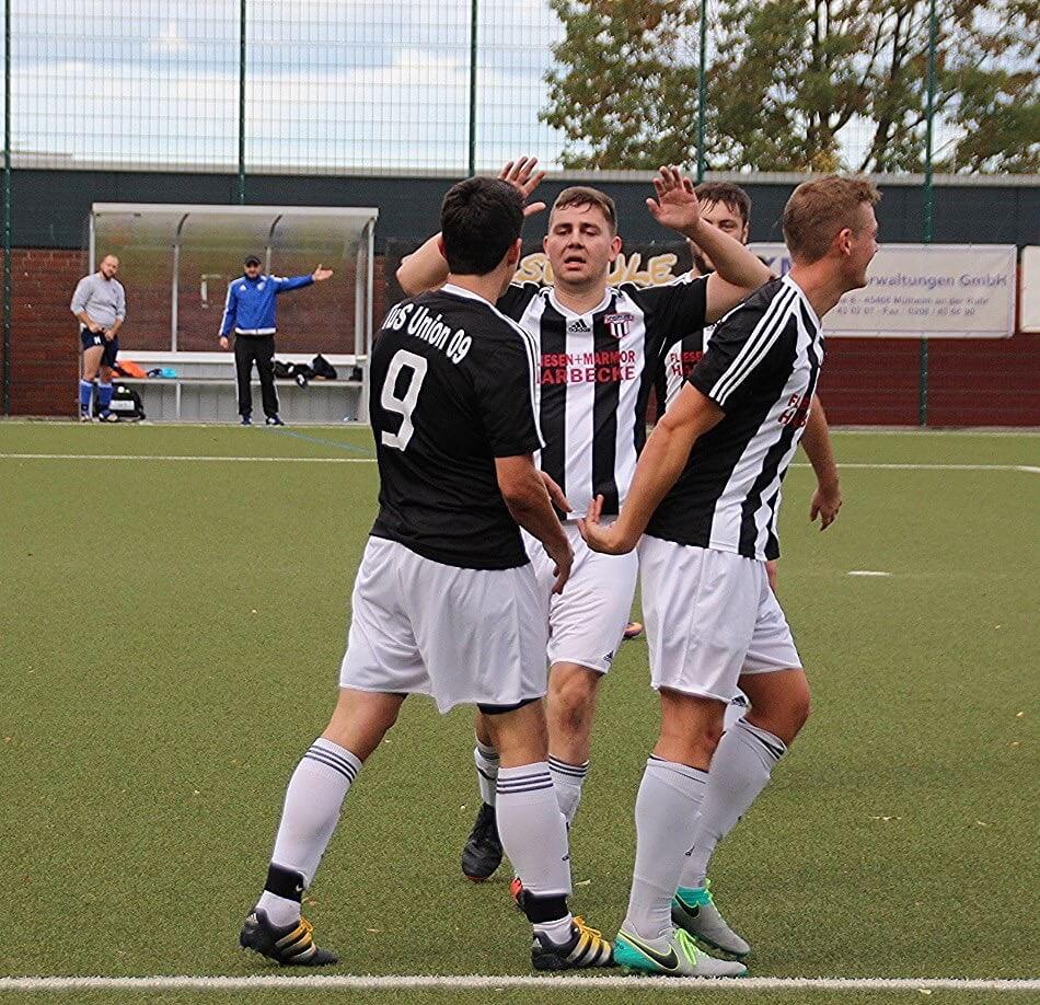 Erste Mannschaft mit 8:1 Sieg gegen BW Neuenkamp.