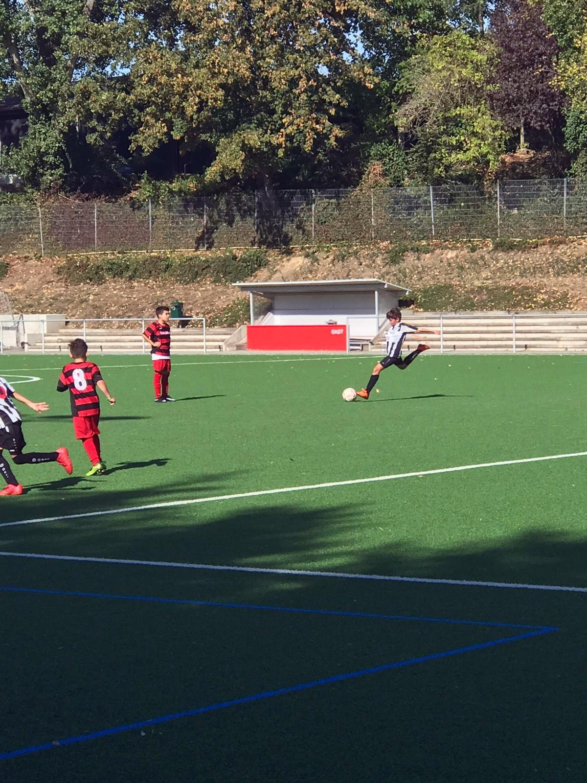 E3 – spielte gegen SV Rot-Weiß Mülheim.